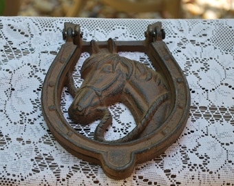 Vintage Cast Iron Horse Shoe/Horse Hinged Door Knocker.