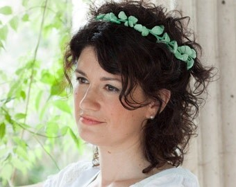 Bridal mint leaves wreath - light green headband - handmade crochet unique headpiece