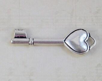 The puffy heart key 10\Silver heart\