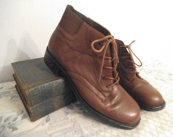 Vintage Brown leather Ankle Boots ~ Liz Claiborne Flex ~ Size 7 ~ Granny Boots Lace up ~ Hipster