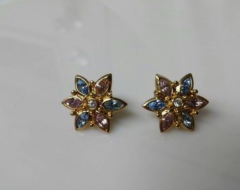 Avon Spring Floral  Pierced earrings   Mint Condition