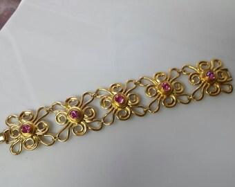 Avon Bold Flowers bracelet 1993 mint condition