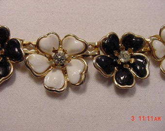 Vintage Black And White Flower Blossom & Rhinestone Accented Adjustable Necklace  16 - 157