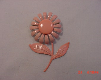 Vintage Metal Peach Flower Brooch  16 - 104