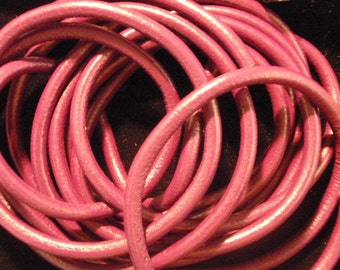 Italian leather, metallic pink, 5mm round, 16 inches