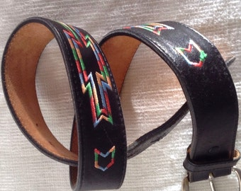 90s southwestern VTG black leather embroidered belt