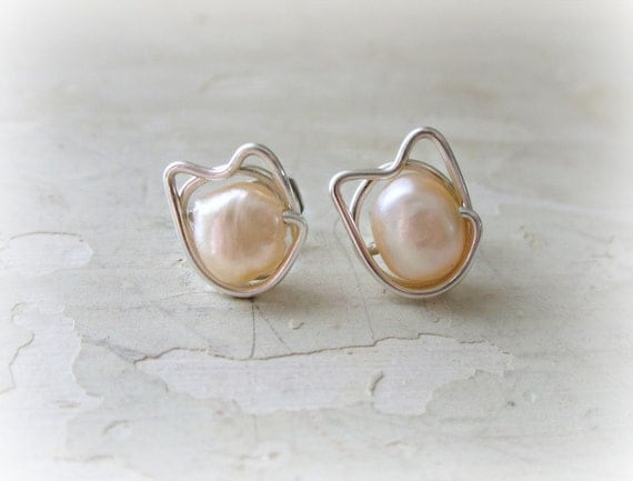 Kitty Cat Stud Earrings, Peach Pearl Posts, Sterling Wire Wrap Earrings, Cat Jewelry, Cat Lovers, Pearl Stud Earring, Natural Pearl Studs