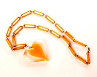 Orange Heart Necklace Plastic Link Chain Large Pendant Novelty Vintage Jewelry artedellamoda parladimoda talkingfashionnet