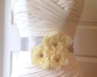 Yellow Bridal Sash Belt, Wedding Accessories, Bridal Accesseries, Three Light Yellow Flowers on Platnuim Gray Bridal Sash CASCADE