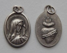 5 Patron Saint Medal Findings - Sorrowful Mother, Die Cast Silverplate, Silver Color, Oxidized Metal, Made in Italy, Charm, Drop, Religious