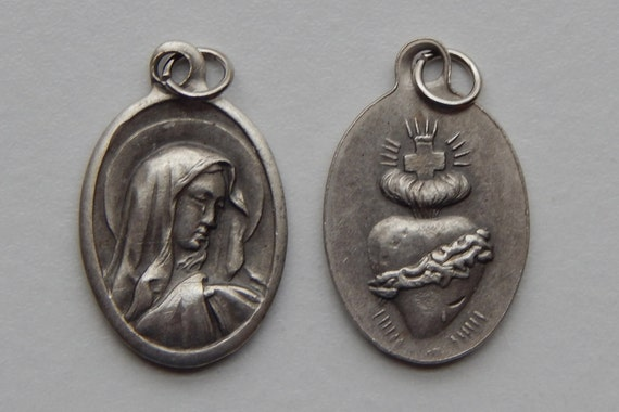 5 Patron Saint Medal Findings - Sorrowful Mother, Die Cast Silverplate, Silver Color, Oxidized Metal, Made in Italy, Charm, Drop, RM702