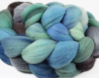 HALONA 2 Hand-dyed Targhee Wool roving - 4oz