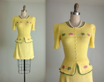 Vintage Sweater Set // Vintage 70's Embroidered Yellow Knit Top & Mini Skirt Ensemble XS