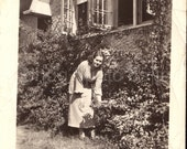 Vintage Photo, Woman, Romantic Cottage, Black & White Photo, Old Photo, Found Photo, Vernacular Photo, Antique Photo     *AUGUSTINE0407