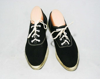 Size 7.5 Sneakers - 1960s Black Tennis Shoes - 7 1/2 Casual Shoe - Sporty - Preppie - 60s Summer Deck Shoes - Lace Up - Zips Brand - 45133