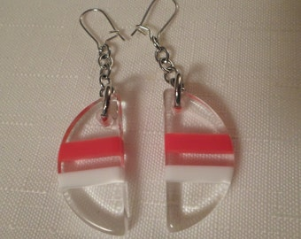 NAUTICAL LUCITE EARRINGS / Pierced / Striped / Layered / Laminated / Clear / Red / White / Patriotic / Chic / Hip / Modernist / Accessories