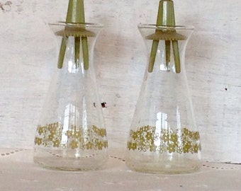 Vintage 1970's Midcentury Pyrex Clear Glass Avocado Green Crazy Daisy Salt and Pepper Shakers