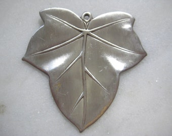 Vintage Leaf Stamping: 1970s Guyot Detailed Silver Plated Pendant Jewelry Finding, Single Loop, Unused Old Stock, 46x42mm, 1 pc.