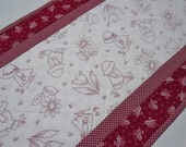 Quilted Table Runner, Quilted Table Topper, Country Kitchen, Sunbonnet Sue, Vintage Style,  Red and White