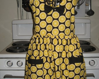 Lemon Citrus Black and Yellow Halter Apron DONATED