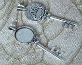 6 pcs Antique Silver key round Cabochon pendant tray (Cabochon size 18mm),bezel charm findings,cabochon blank finding