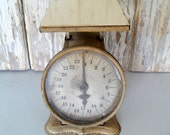 Vintage Scale, Antique Family Scale, Chippy Scale