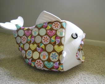 Fish Shaped Cat Bed with Lollypops Decorator Fabric