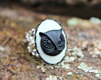 Grande Black and White Owl Ring