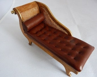 Leather chaise longue by Jo Med.