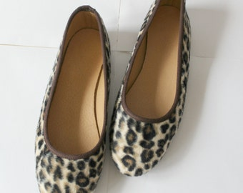 HALF PRICE /Leopard flats/Leather ballet flats