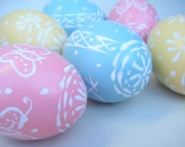 Easter Egg Ornaments in Wooden Box Pink Yellow Blue Spring Bunny Decoration Pastels