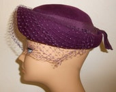 Vintage 1950s NEUMANN-ENDLER wool felt tilt hat w/ mesh & ribbon, size Medium / Large, 21-22