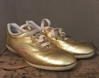 70% OFF CLOSING SALE Vintage 1980s Metallic Gold Daniel Green Sports Leather Tennis shoes 7
