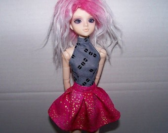 Pullip clothes - pink with metallic gold specks pleated skirt