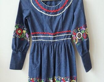 vintage rik rak 70s bohemian embroidered festival mini dress