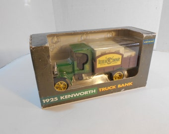 MIB John Deere 1925 Kenworth Stake Truck Bank #8 in Series Ertl 1993