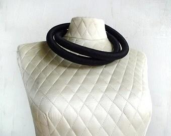 avant garde black wool sculptural necklace collar . vintage 1980's