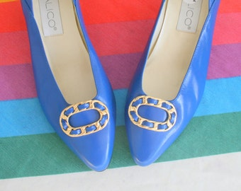 1980s BLUE LEATHER Heels....size 6.5 women...designer heels. blue heels. shoes. pumps. 1980s. classic. calico. mod. retro. ladies. wedding