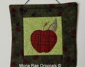 Apple Mini Quilt ~ 6 Inches~ Teacher Gift