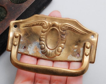 Antique Art Nouveau style escutcheon plate with drawer pull handle.  (IL)