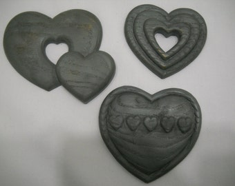 Hearts Wall Hanging Plaques 1987 Set of 3 Burwood Plastic Gray FREE SHIPPING