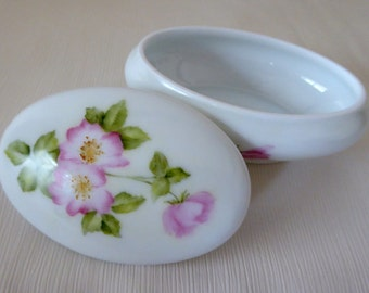 hand painted box, limoges box, wild roses, trinket box, porcelain box