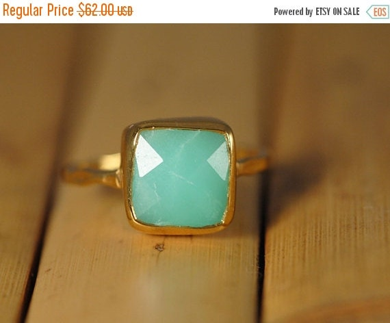 SALE - Mint Green Chrysoprase Ring Gold -  Cushion Cut Solitaire Ring - Stacking Ring - Gold Ring - Gift for Mom