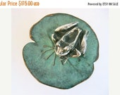 Spring Sale 10% Frog on Lily Pad Sculpture