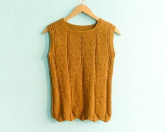Vintage mustrad yellow brown orange vest sleeveless top blouse sweater / handmade / scalloped / crop cropped / small