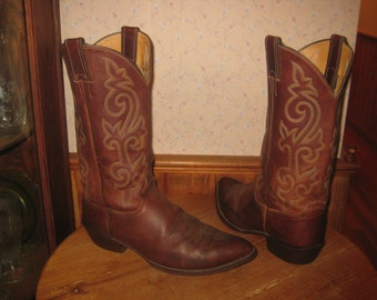 Justin   Style  2252    Cowboy Boots    Made In USA    Mens  10  D