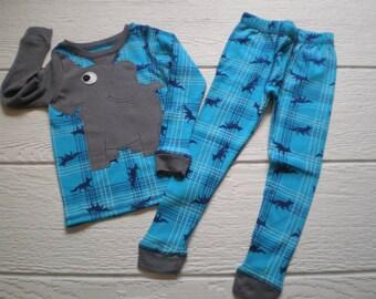 Elephant trunk sleeve 2pc thermal set, shirt and pants, pyjamas or longjohns, size boys 2T/3T, turquoise pattern