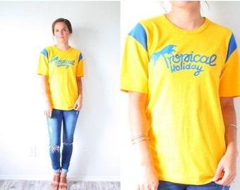 20% OFF HALLOWEEN SALE Vintage yellow Tropical holiday shirt // bright yellow graphic T print shirt // boho holiday shirt print // bold Smal