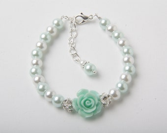 Mint Flower girl bracelet, Mint Wedding bracelet, Mint pearl bracelet, girl bracelet, junior bridesmaid gift, Made in Canada, mint jewelry