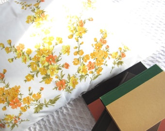 Vintage Never Used Wonder Blend Belleair Printed Standard Pillowcase Yellow Orange Olive Green